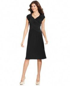 7c3e2ab90b8 Clothing fashion recommendations regarding women of all ages. Start looking  good in the new cost