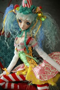 Roadside Circus BJD Doll | Flickr : partage de photos !  I love the colors!