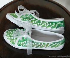 Ręcznie malowane tenisówki w konwalie / Hand painted sneakers with lilies of the valley