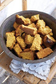Easy Food Recipes and Cooking - Pumpkin Rusks About 36 rusks South African Dishes, South African Recipes, Healthy Breakfast Snacks, Healthy Treats, No Salt Recipes, Wine Recipes, Bread Recipes, Rusk Recipe, All Bran