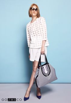 http://goshico.com/en/medium-two-shape-shoulder-printed-bag-with-goose-simplicity.html PRICE: 91.50 €