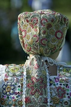 Slovak folk costume (kroj) Bratislava, Shaman Woman, Bridal Headdress, Heart Of Europe, Folk Embroidery, Beautiful Costumes, Ethnic Dress, The Shining, Folk Costume