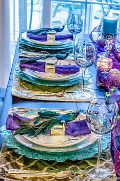 Looking for some New Year's Eve party ideas for an elegant adult event? These glam New Year's Eve party themes have lots of ideas for centerpieces, table settings, backdrops and photo ops that will make your event really special. #newyearspartyideas #newyearsevepartythemes #NYEparty