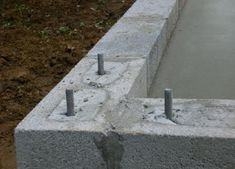 How to Build a Concrete Pad for Your Garage Pouring Concrete Slab, Concrete Slab Patio, Concrete Footings, Concrete Forms, Concrete Projects, Garage Shop Plans, Garage Shed, Small Garage, Garage Walls
