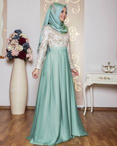 The perfect addition to any Muslimah outfit, shop An-Nahar's stylish Muslim fashion Mint - Floral - Fully Lined - Crew neck - Muslim Evening Dress. Find more Muslim Evening Dress at Modanisa! Hijabi Gowns, Hijab Abaya, Modest Fashion Hijab, Muslim Fashion, Abaya Fashion, Grad Dresses, Cute Dresses, Beautiful Hijab, Beautiful Outfits