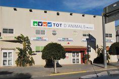Tot d'Animals es una de las tiendas de #mascotas  más grandes de la provincia de #Alicante. Todo en #accesoriosmascotas   #piensos   #hipica  #granja. Nuestra Web: www.theanimallshop.com