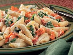 Creamy Pasta with Salmon & Spinach - Healthy Recipes from BumbleBee Spinach Recipes, Salmon Recipes, Seafood Recipes, Asian Recipes, Healthy Recipes, Healthy Cooking, Fish Recipes, Yummy Recipes, Creamy Salmon Pasta