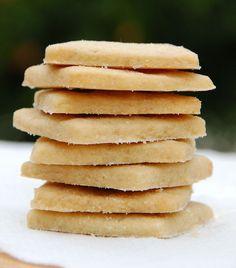 maple sugar shortbread (milk and honey) Shortbread Recipes, Shortbread Cookies, Cookie Recipes, Dessert Recipes, Maple Cookies, Maple Syrup Recipes, Galletas Cookies, Maple Sugar, Low Sugar