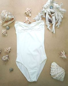 Bodas Strapless Swimsuit - the perfect poolside elegance!