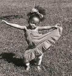 Dance, you beautiful little princess. Just Dance, Dance Like No One Is Watching, Shall We Dance, Beautiful Children, Beautiful Babies, Tiny Dancer, Little Princess, Black Is Beautiful, Belle Photo