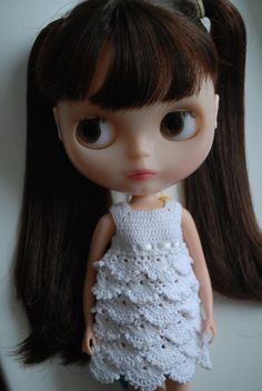 (etsy listing) Blythe doll White crochet dress - inspiration - can probably figure out the bodice from the pic
