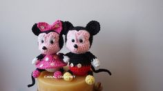 Mickey y Minnie amigurumi tutorial Canal crochet Kawaii Crochet, Crochet Gratis, Crochet Dolls, Free Crochet, Crochet Mickey Mouse, Minnie Mouse Doll, Crochet Disney, Amigurumi Tutorial, Amigurumi Patterns