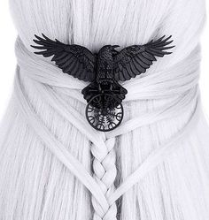 In love with the new Raven Talisman hair clip from Restyle  ✨ . Free shipping within the EU ✨ #raven #familiaris #talisman #norse #nordic #helmofawe #vegvisir #braids #hairinspo #restyle
