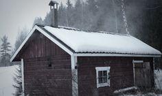 Edelleen 2000-luvun Suomessa vakavat saunakeskustelut alkavat savusaunasta ja loppuvat savusaunaan. Myös moni markkinointipuhe vetoaa savusaunamaisiin ominaisuuksiin. Aihe on sen verran hengellinen…