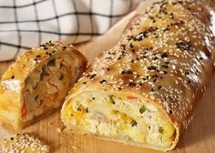 Savoury Baking, Savoury Cake, Snack Recipes, Cooking Recipes, Snacks, Greek Pastries, The Kitchen Food Network, Good Food, Yummy Food