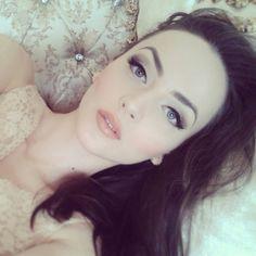 Idda van Munster pinup makeup