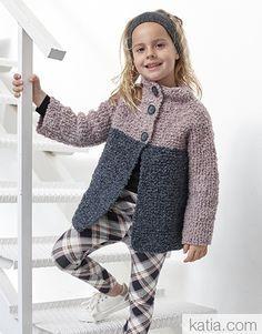 A Fil Katia design Free Aran Knitting Patterns, Baby Cardigan Knitting Pattern Free, Knitting Blogs, Knitting For Kids, Crochet For Kids, Kids Poncho, Baby Dress Patterns, Quick Knits, Crochet Jacket
