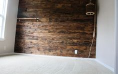 wood wall how-to with fencing rather than pallet boards