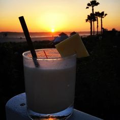 Jose's Pina Colada and a perfect sunset after a wonderful day at @delcoronado! Head to the Sunset Bar and ask for Jose to make you a drink - he doesn't disappoint!!! #delmemories #coronado #hoteldelcoronado #eatsandiego #youstayhungrysd #sdfooddiaries #sdfoodie  #yelpsandiego #sandiegogram  #sandiegodining  #wheresandiego  #allthingssd #myfab5 #forkinginpublic  #diningoutsd  #mysdphoto  #sandiegocityguide  #travelblogger #tripadvisor  #tlpicks #bestintravel #travelgram #igtravel #wanderlust…