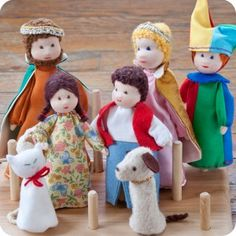 Waldorf Finger Puppet set - King, Queen, Jester, Boy, Girl, Dog & Cat | Palumba offering puppet and Waldorf doll play and natural toys