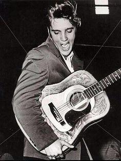Petersburg, Florida - Never Be Too Old To Love Elvis Presley & his Music. Lisa Marie Presley, Priscilla Presley, Rockabilly, Genre Musical, Young Elvis, Elvis Presley Photos, Thats The Way, Graceland, American Singers