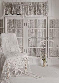 - Tekstiilit, seinien pintamateriaali
