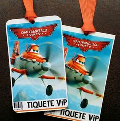 Invitaciones en for a de escarapela a fiesta de aviones