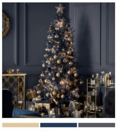 What are the trends for Christmas 2021? – mccotrend Christmas Trends, Christmas Mood, Christmas Colors, Xmas, Star Tree Topper, Tree Toppers, Homemade Christmas Decorations, Holiday Decor, Tree Tapestry