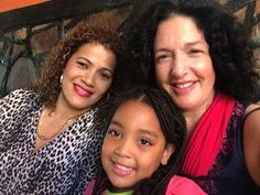 Series Presenter, Lisa Chait, with Zinha Esculudes and her granddaughter in Maputo