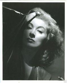 Greer Garson by Laszlo Willinger