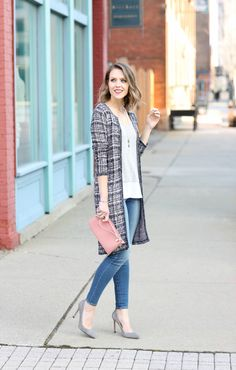 Chic Spring Style: @charmingcharlie duster cardigan, skinny jeans, suede pumps + pink wristlet