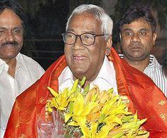 Nedurumalli Janardhana Reddy passes away http://www.thehansindia.com/posts/index/2014-05-09/Nedurumalli-Janardhana-Reddy-passes-away-94550