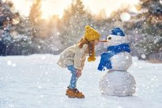 Christmas Photo Ideas for Great Holiday Photography – Creative and Funny Family Christmas Photo Ideas Funny Family Christmas Photos, Family Christmas Outfits, Winter Family Photos, Outdoor Family Photos, Christmas Pictures, Snow Images, Snow Pictures, Winter Images, Snow Photography