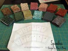 Paper piecing Double Wedding Ring adventure on www.spindlesdesigns.com #quilting