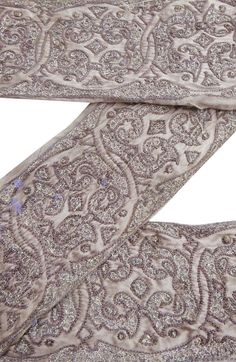 VINTAGE SARI BORDER ANTIQUE EMBROIDERED INDIAN TRIM TAUPE USED RIBBON LACE 1YD