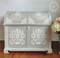 Hand Painted Furniture and Tutorials. Painted Trunk, Painted Chest, Hand Painted Furniture, Treasure Chest Craft, Trunk Makeover, Stenciled Table, Trunks And Chests, Diy Furniture Projects, Diy Projects