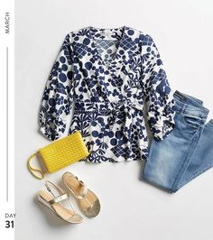 Stitch Fix Stylist: Love the entire outfit, blouse, jeans (cuffed or frayed), and sandals! Stitch Fix Blog, Stitch Fix Stylist, Mode Style, Style Me, Shoes Style, Stitch Fix Outfits, Work Wardrobe, Looks Cool, Navy And White