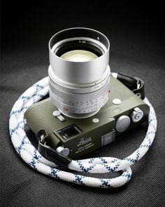 Since electronic devices such as mobile phones, tablets and computers have entered our lives, nobody can deny the fact that … Nikon Camera Tips, Leica Camera, Camera Hacks, Camera Nikon, Camera Gear, Film Camera, Canon Cameras, Canon Lens, Vintage Cameras