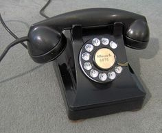 Western Electric 302. Henry Dreyfuss design, introduced in 1937.