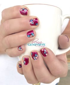 Flowers For Mom | Being Genevieve Still need a great gift for your mom for Mother's day? Why not give her some flowers (on her manicure that is)??? Free Step-by-step picture tutorial here.