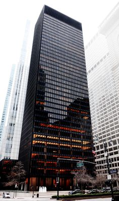 On what would have been his birthday, we revisit the architect's revolutionary design for New York's Seagram Building, which uplifted the body as well as the spirit. Famous Buildings, Modern Buildings, Modern Architecture, Minimalist Architecture, Restaurant Hotel, Seasons Restaurant, Genius Loci, Seagram Building, Illinois Institute Of Technology