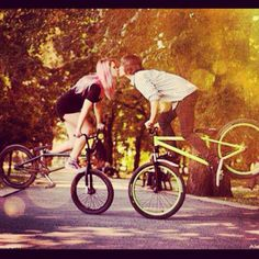 This could be us but you don't ride bmx Bicycle Shop, Bmx Bicycle, Bicycle Girl, Cycling Bikes, Road Cycling, Specialized Mountain Bikes, Bmx Flatland, Bmx Racing, Road Bike Women