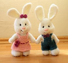 A smaller, easier version of that cute amigurumi bunny everyone has been crazy about this Easter. Plus this rabbit pattern is free and printable. :-)