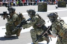 South Korean Special Forces and U.S. Special Forces conduct a combined demonstration at the RoK Ground Forces Festival, Gyeryong, South Korea.