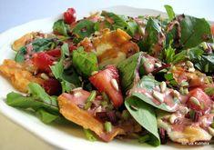 Sałatka liściasta z hallumi i truskawkami | Smaczna Pyza Tacos, Mexican, Salad, Lunch, Ethnic Recipes, Food, Easy Meals, Eat Lunch, Essen