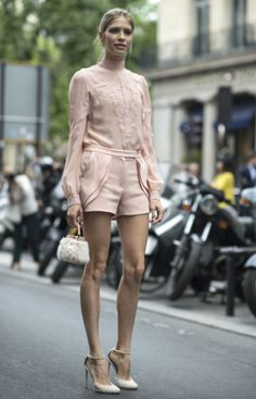 The best street style looks from Paris Fashion Week | #ElenaPerminova #StreetStyle