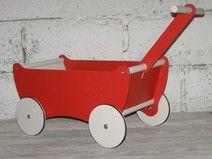 Drewniany wózek do ciągnięcia z dyszlem