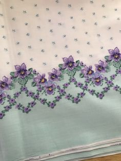2 Yards Daisy Kingdom Fabric Violets double border print Vintage | eBay Heart Border, Cat Quilt, Raggedy Ann And Andy, Border Print, Fabric Panels, Daisy, Blue And White, Vintage, Bellis Perennis