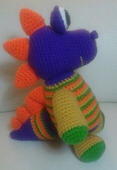 Dino H - Patrón: http://fany-crochet.blogspot.com.ar
