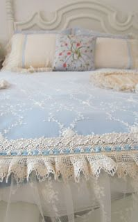 Angela Lace: Lace Bed Cover